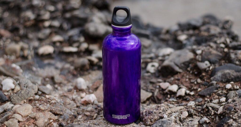 dāvanu karte ūdens pudelei